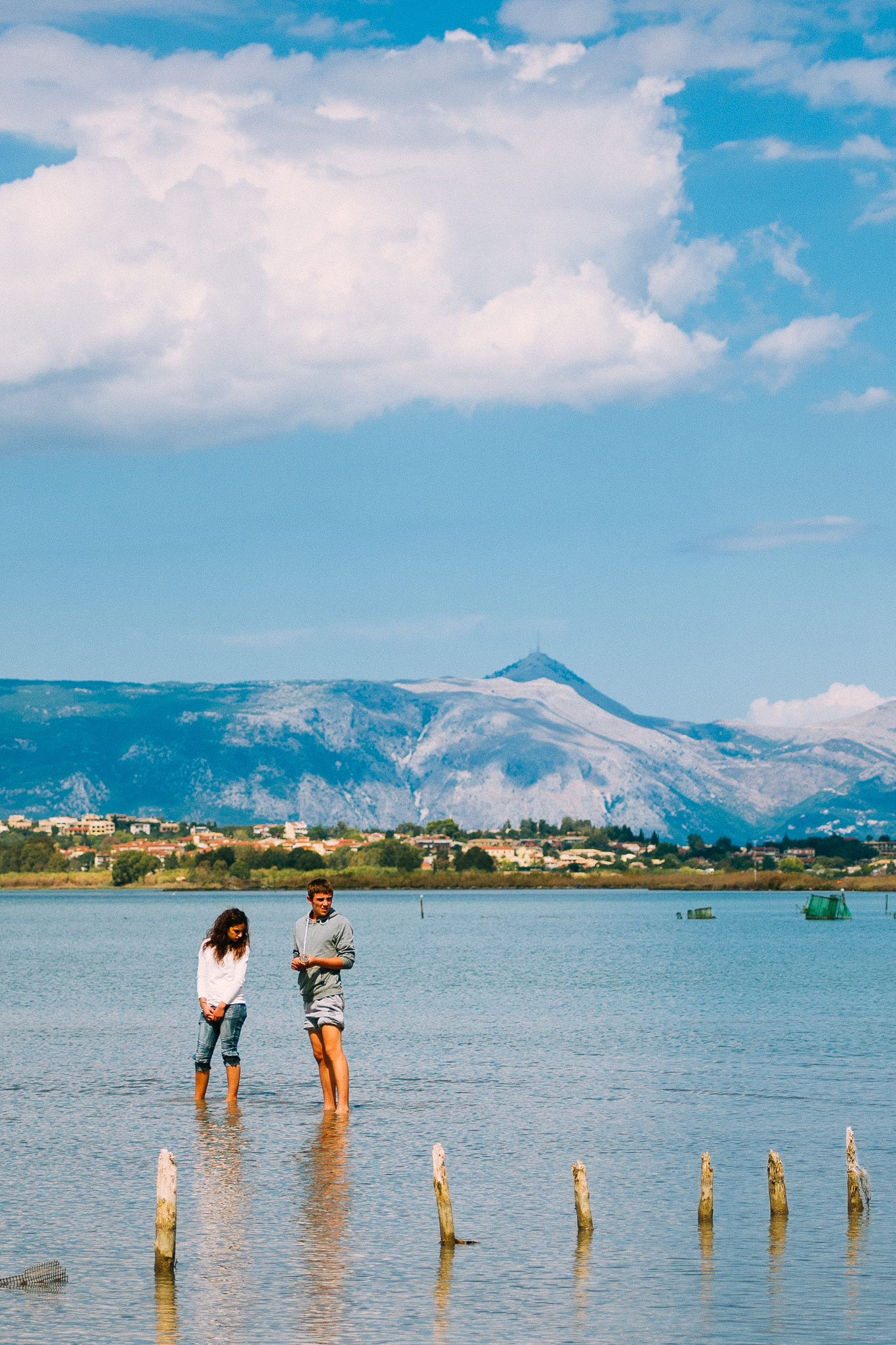 Couple_Greece_Corfu_Girl_Boy_sea_water_jipvankuijk