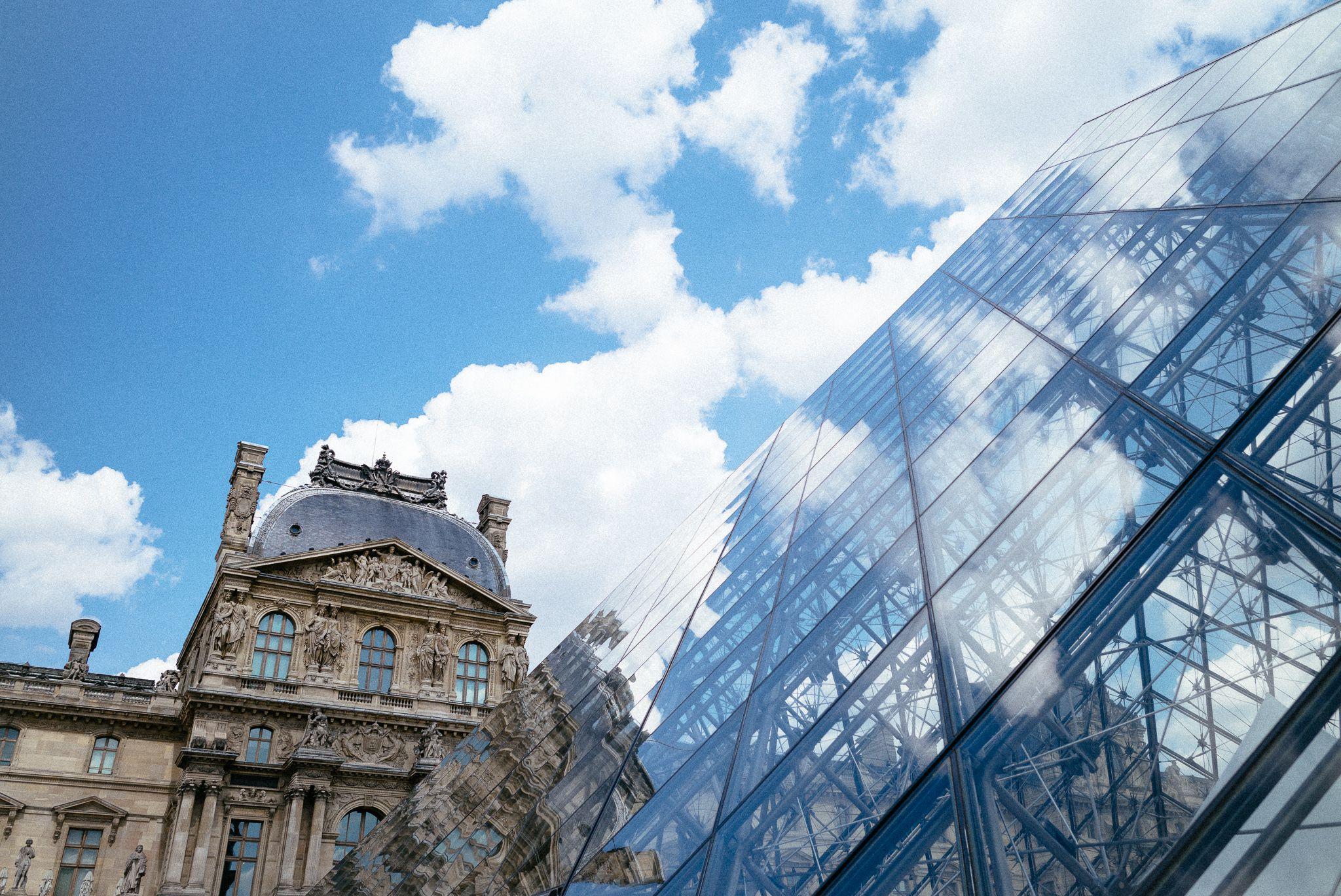 france_paris_versailles_louvre_landscape_pyramid_28mm_elmarit