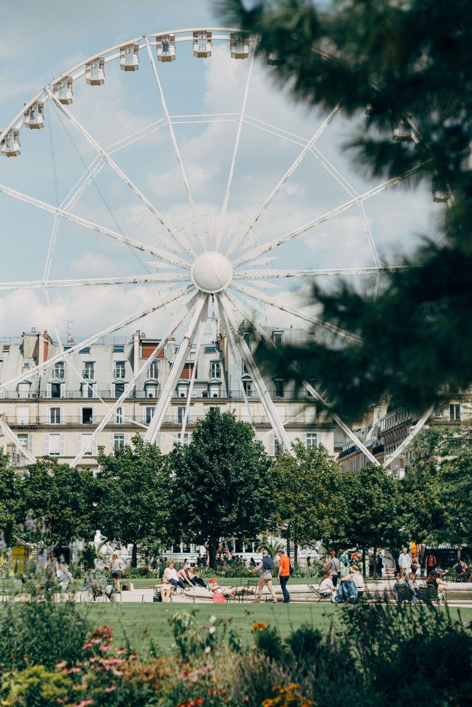 The ferris wheel, a tourist attraction.